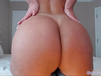 Mature With Perfect Ass