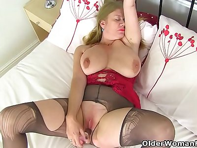 English and nyloned milf Lily May fucks a dildo