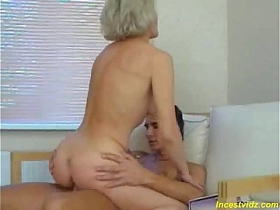 Mature teacher gives a fucking lesson