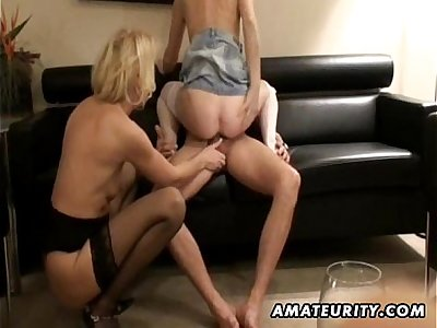 2 amateur Milf enjoya guy's cock with cumshot
